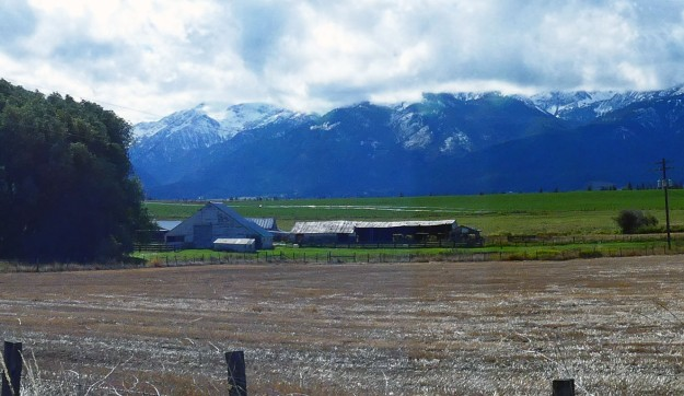 Farm and Blue Mountains
